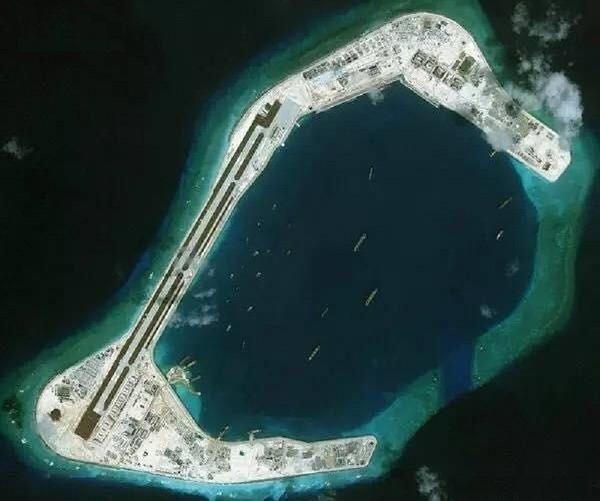 スビ礁衛星写真.jpg
