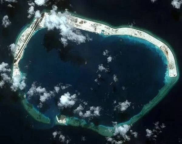 ミスチーフ礁衛星写真.jpg